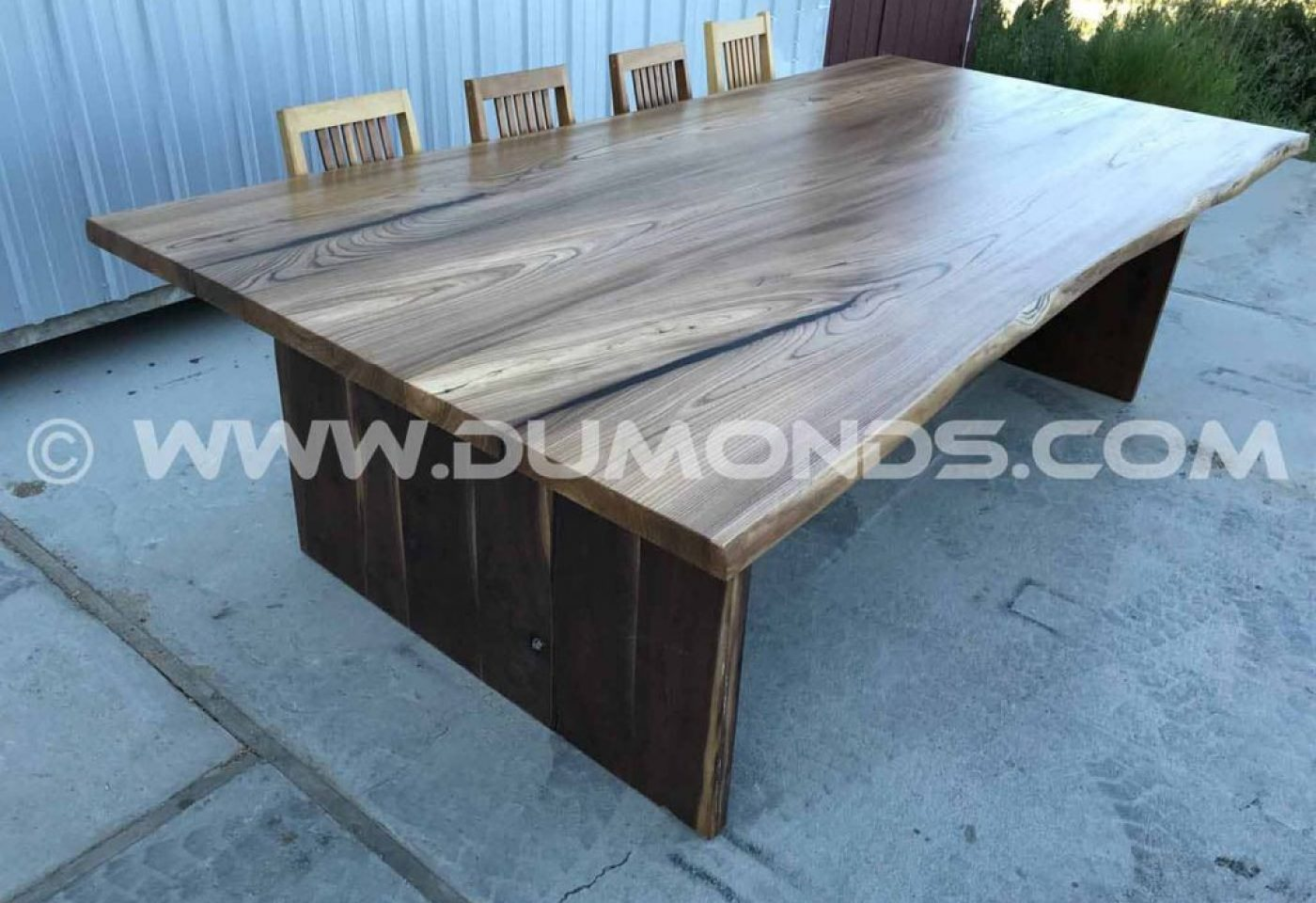 MICHIGAN URBAN ELM TREE TRANSFORMED INTO A LIVE EDGE TABLE