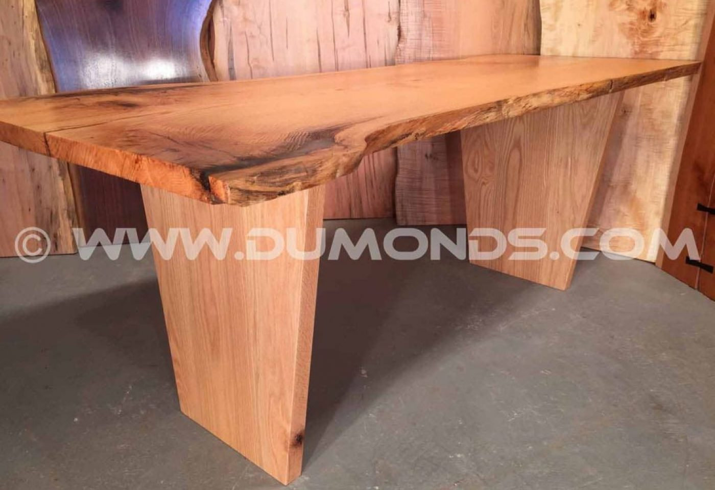 VERTICAL TAPERED OAK TABLE LEGS